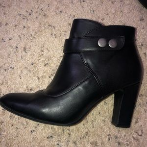Aerosoles boots black 7.5